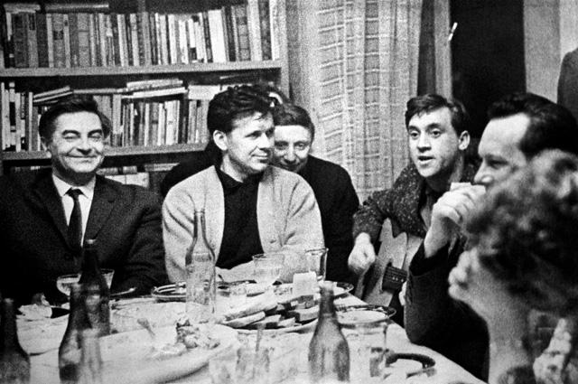 Юрий Любимов и актеры театра