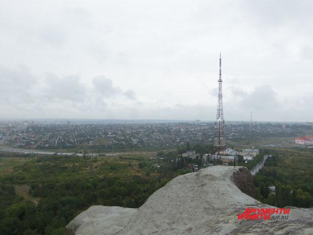 Вид на Волгоград с высоты птичьего полета - вышка ВГТРК