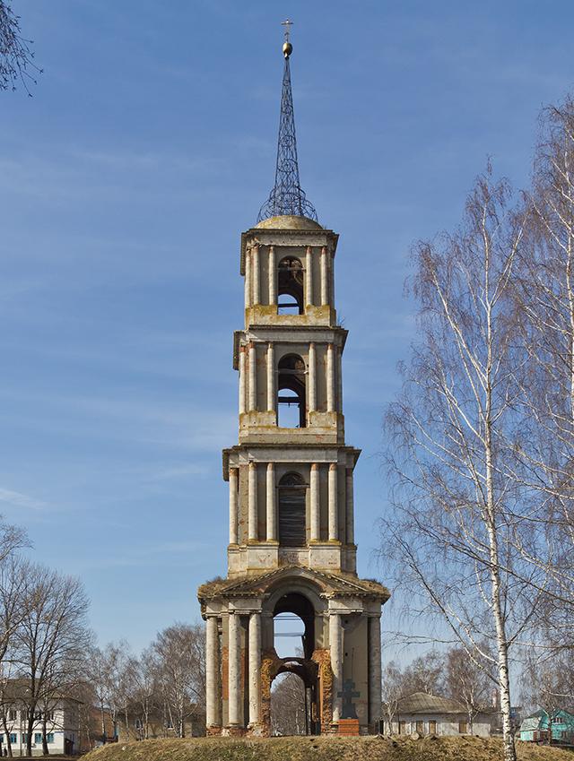 Колокольня бывшей Никольской церкви в городе Венёв. Тульская область