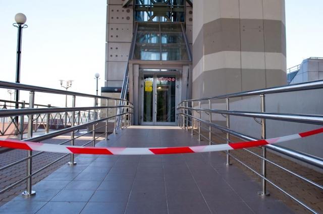 После мундиаля роскошные лифты на Ворошиловском мосту перестали работать.