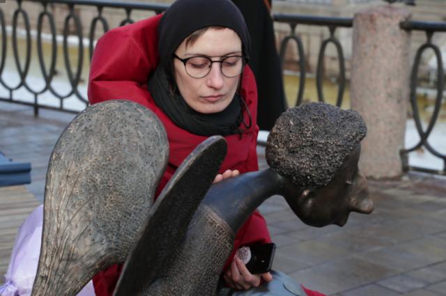 В церемонии участвовала вдова скульптора Мария Касьяненко.