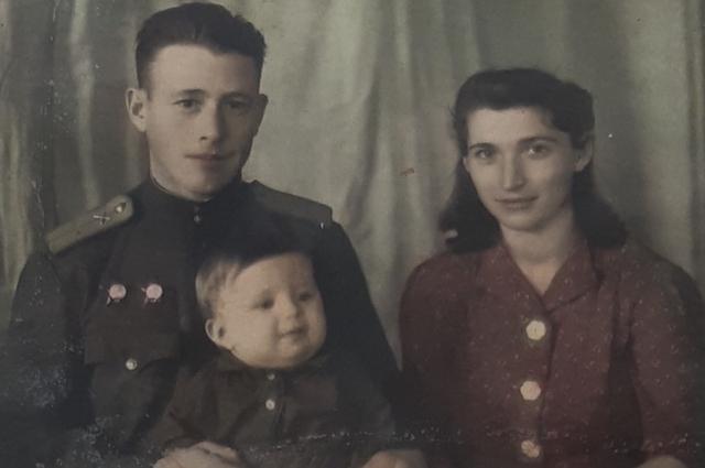 Молодые Иван Алексеевич и Мария Сидоровна