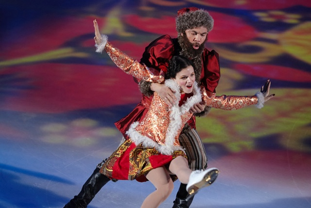 Костя Цзю с партнёршей Марией Петровой во время шоу Ледниковый период