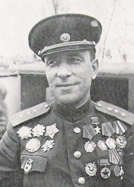 Михаил Ефимович Катуков в 1945 году