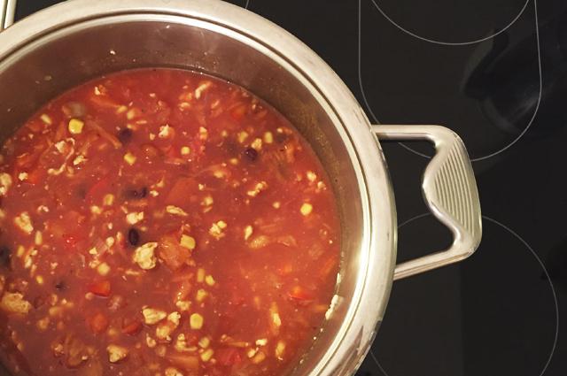 Суп с фасолью из курицы