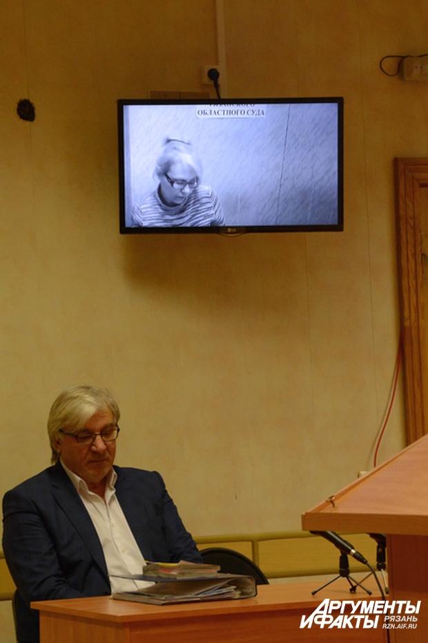 Адвокат Валерий Котилогли и его подзащитная.