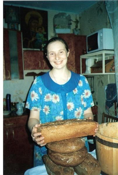 Большой семье - много хлеба.