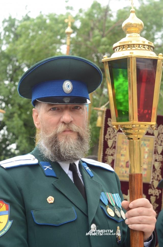Жерар Паскаль - француз, женившийся на оренбурженке, принявший православие, а в 2015 году вступивший в казаки.