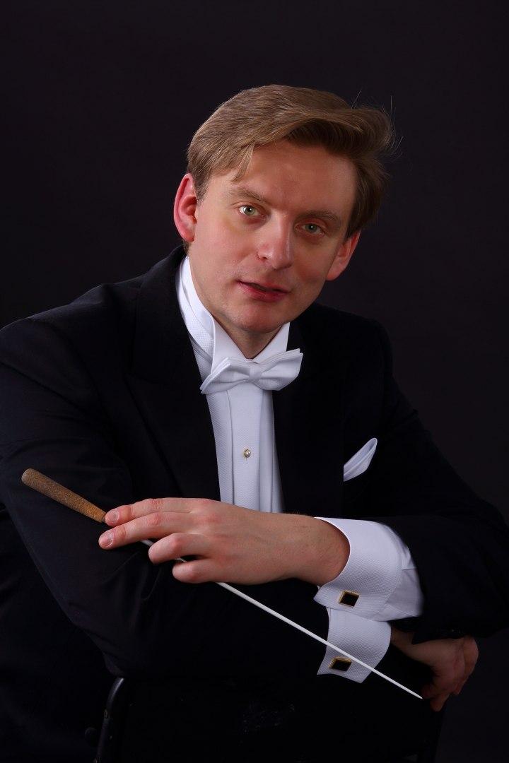 Антон Шабуров