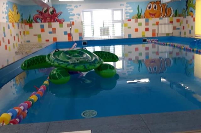 «Весёлая планета» - первый на востоке Ростовской области детсад с плавательным бассейном.