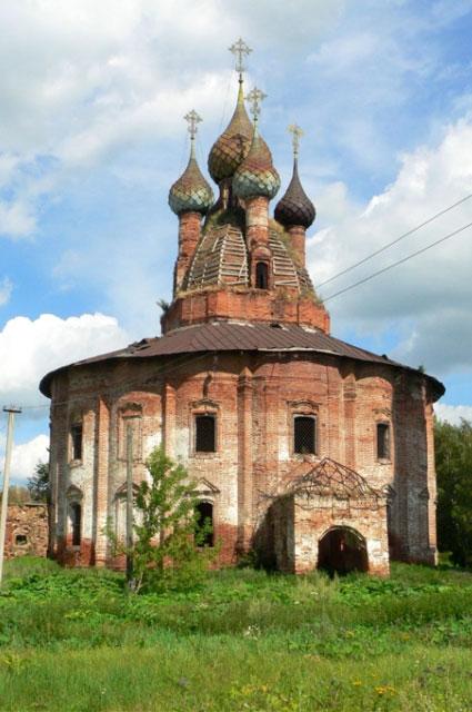 Казанский храм в Курбе полон тайн и загадок.