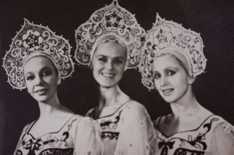 Нина Курылёва (в центре) была единственной заслуженной артисткой РСФСР среди непрофессионалов.