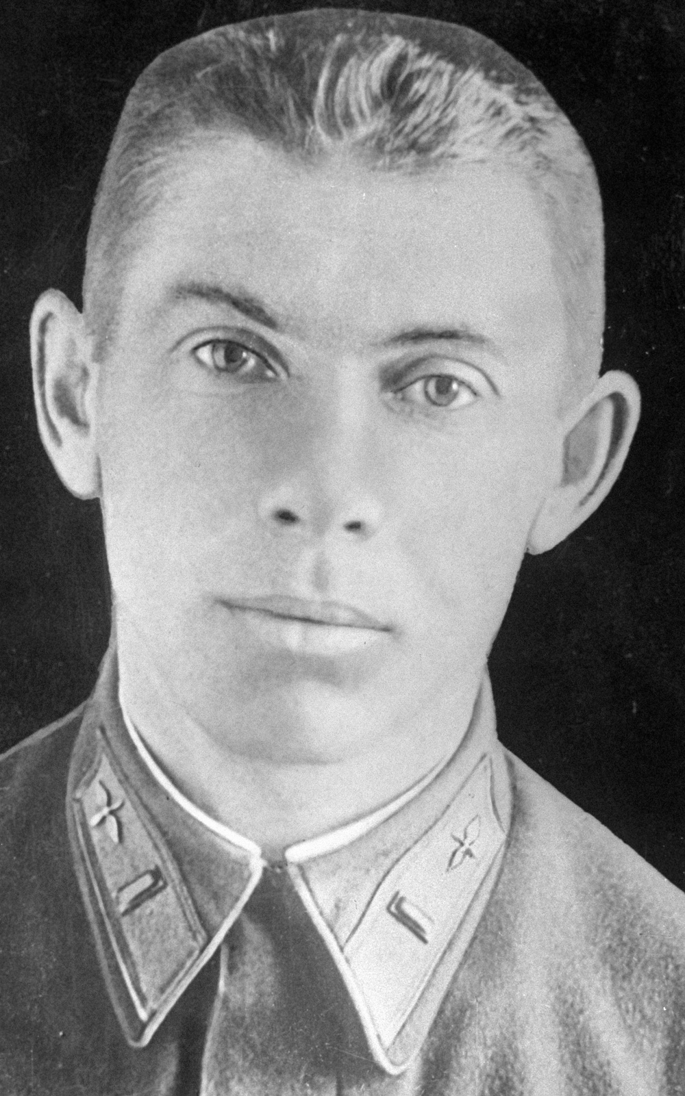 Летчик, Герой Советского Союза (посмертно) Николай Гастелло. Довоенная фотография.