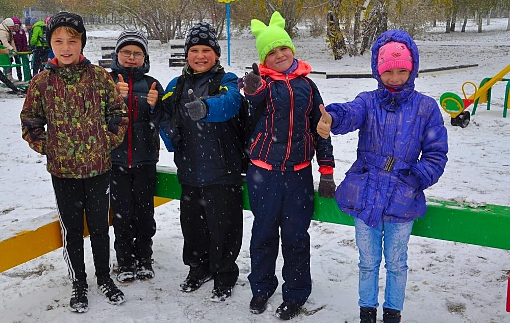 В Мизюлинской роще Барнаула появилась детская игровая площадка