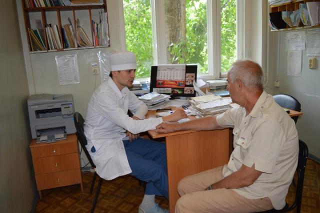 В структуру ЦРБ сегодня входят врачебная амбулатория и 13 фельдшерско-акушерских пунктов.