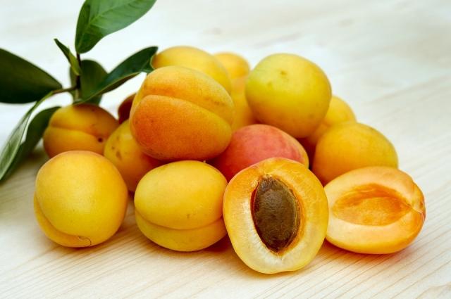 Перед заморозкой абрикосы лучше превратить в пюре.