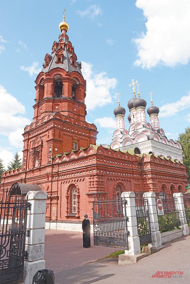 Церковь Спаса Нерукотворного Образа на Сетуни (прежнее название – церковь Спаса Нерукотворного). В Кунцеве несколько известных храмов.