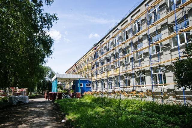 Ремонт школы в Бузулуке ведется по графику.