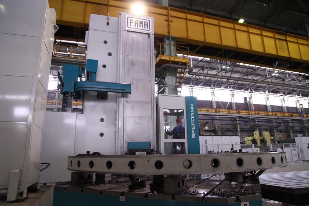 Итальянский обрабатывающий центр PAMA позволяет оптимизировать производство крупных машин.