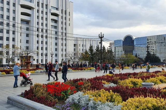 В 17.30 на площади Ленина уже стало спокойно.