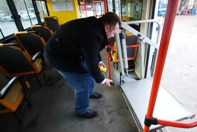 Автобус, пандус