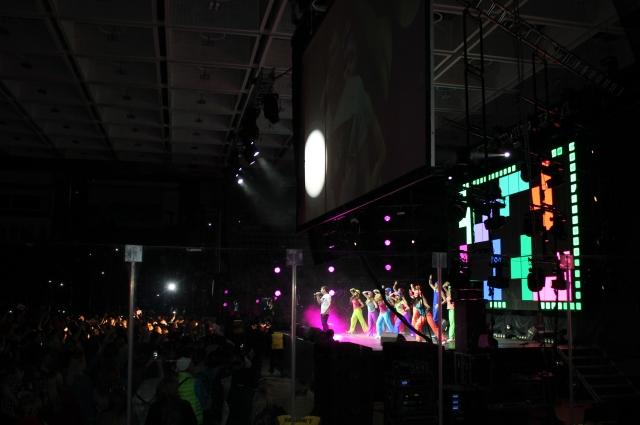 Фестиваль в стиле ретро собирает целые стадионы и объединяет людей.