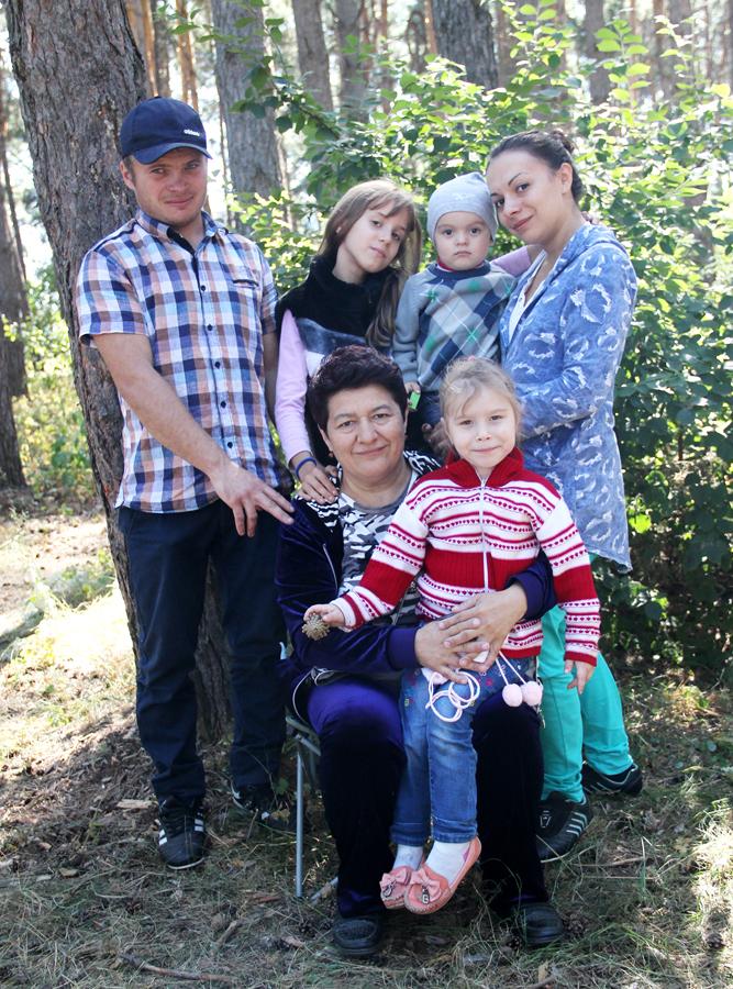 Семья Румии Абухановой – три дочери, внук и зять