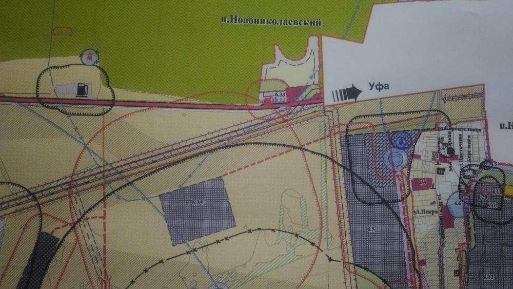 Квадрат в центре - участок под МСЗ, вокруг - земли сельхозназначения.