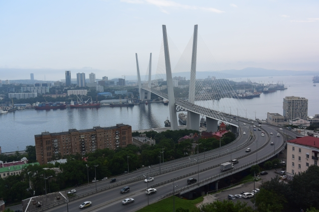 Мост на остров Русский. Длина - свыше трех километров.