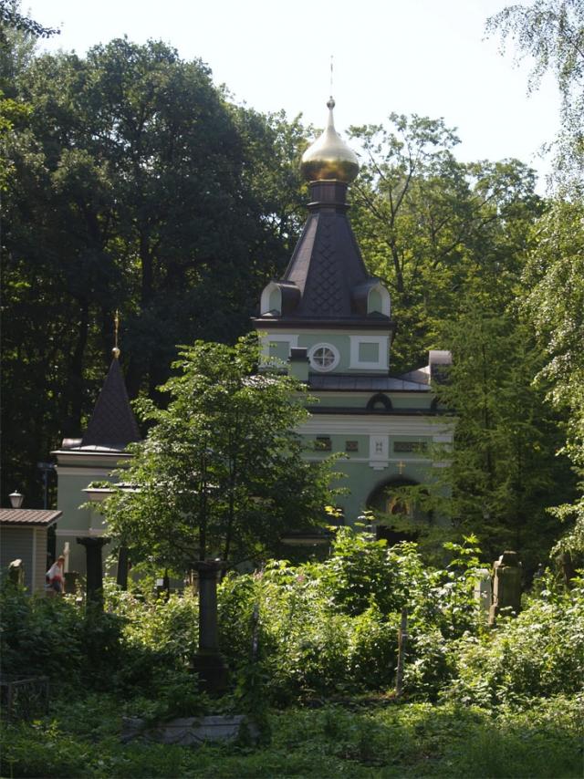 Смоленское кладбище одно из старейших в России.