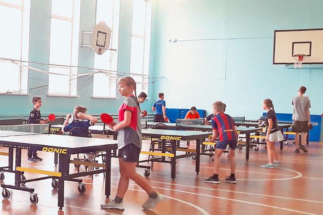 В турнире приняли участие 36 лучших теннисистов города.