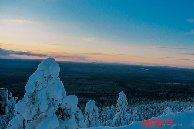 В зимнее время года гора Колпаки поразит волшебным видом.