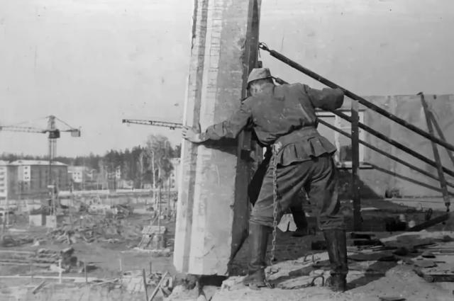Части военных строителей стояли в городе до конца 80-х гг.