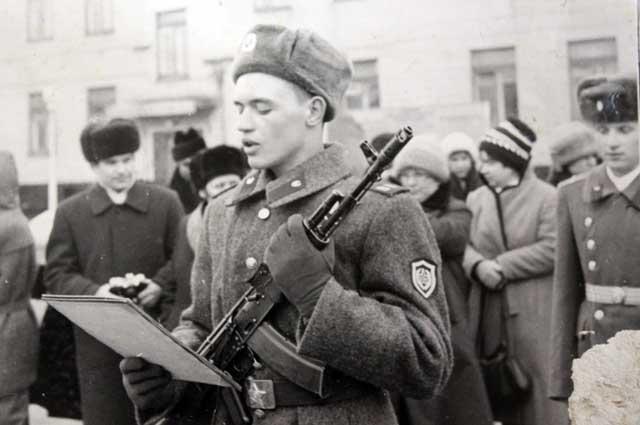 Сергей Очертяный во время присяги