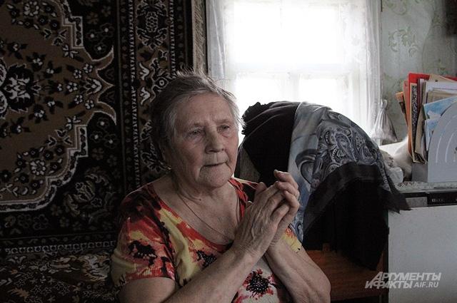 Бабушке Зое тяжело вспоминать сборы денег на храм: много обидных слов, копейки, кинутые практически в лицо