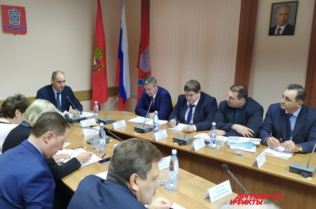 Итогом совещания в Новотроицке стали два выговора заместителям главы администрации Новотроицка за затягивание сроков решения проблем.