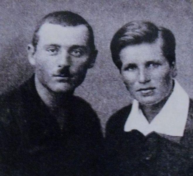 Родители Нонны Мордюковой: отец Виктор Константинович и мать Ирина Петровна Мордюковы.