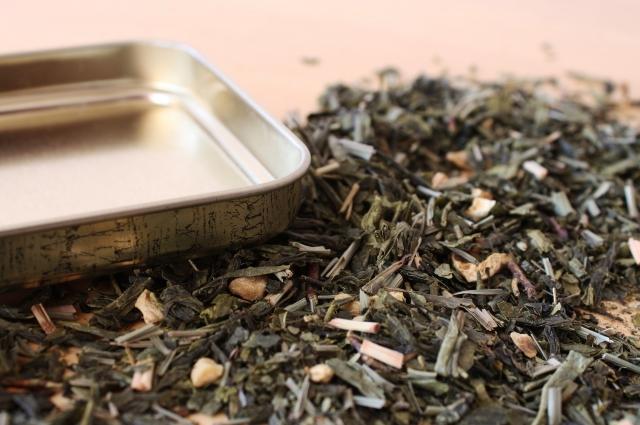 Хранить чай желательно в сухом и темном месте/