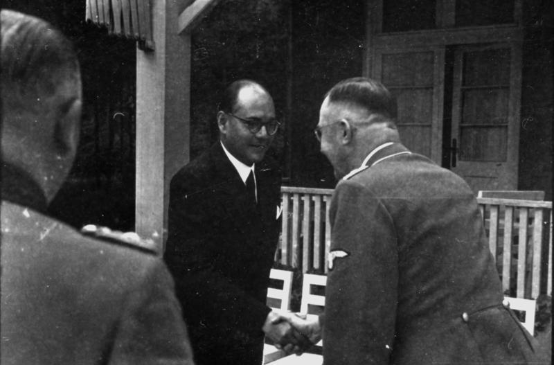 Субхас Чандра Бос на встрече с Генрихом Гиммлером, 1942 г.