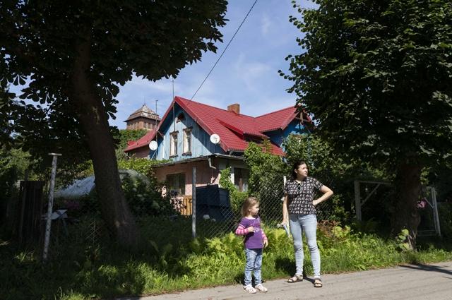 Ирина и Маша Медведевы живут в доме №11.