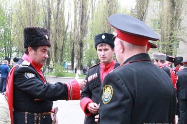 Казаки патрулируют город только совместно с полицейскими
