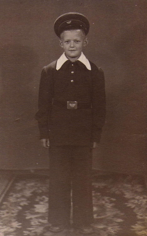 Школьник Сережа Гуров.