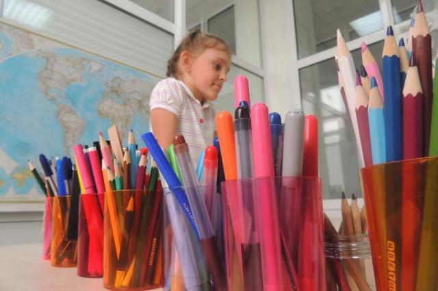 Родители решили, что дочка пойдет в гимназию. Девочка очень высокоинтеллектуально развита для своих 6 лет.