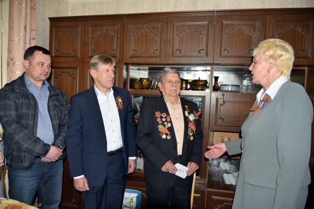 К ветеранам Великой Отечественной - всегда особое уважительное отношение.