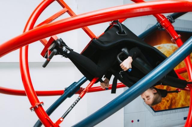 Бороздить пространства Вселенной можно на истребителе в VR-стимуляторе Fly Motion.