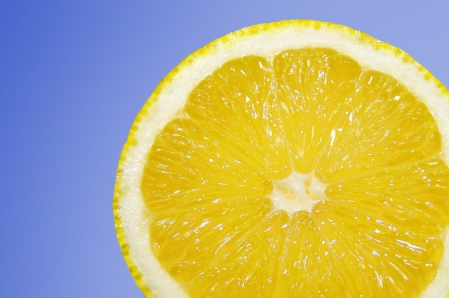 Лимон.