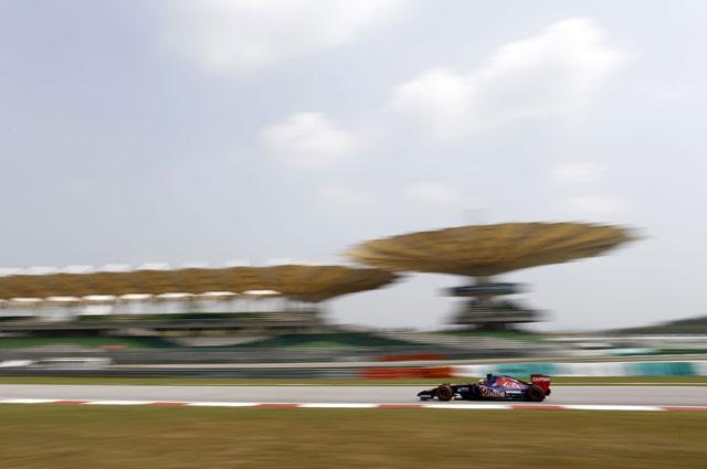 Даниил Квят в гонке гран-при Малайзии
