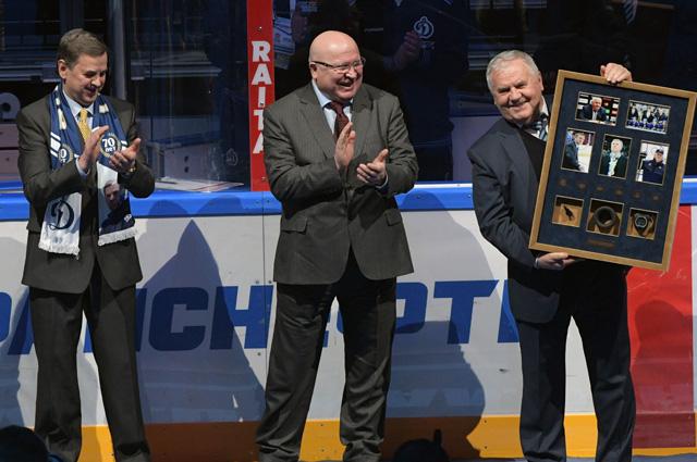 Главный тренер ХК«Динамо» Владимир Крикунов и гендиректор Валерий Шанцев (справа налево).