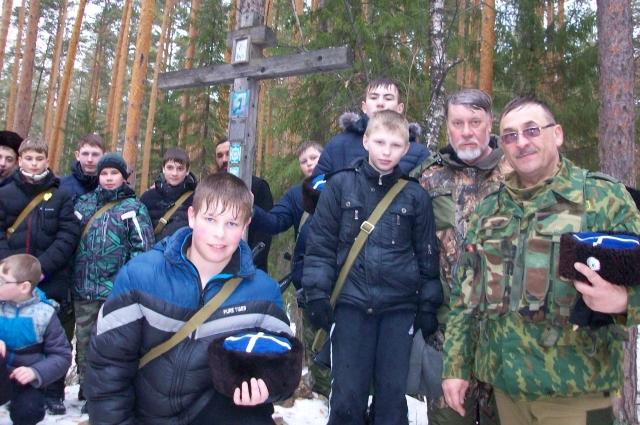 Валентин Иванов понял, что тема казачества ребятам очень интересна.