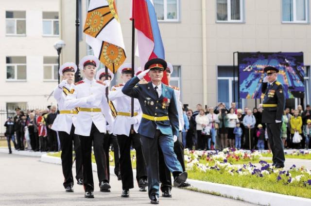 Среди новобранцев училища есть юноши из разных уголков России.